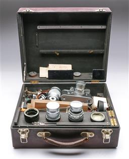 Sale 9093 - Lot 10 - A Fitted Box Containing a Leica M3, Lenses And Other Related Camera Items