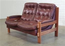 Sale 9154 - Lot 1076 - Leather 2 seat lounge (h91 x w132 x d84cm)