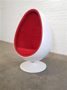 Sale 9154 - Lot 1071 - Egg chair on swivel base (h133 x w85 x d54cm)