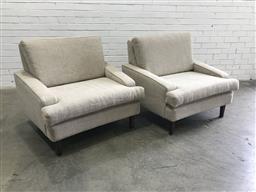 Sale 9121 - Lot 1047 - Pair of cream tone armchairs (h:80 w:97 d:83cm)