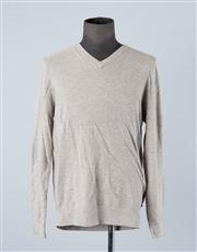 Sale 8770F - Lot 81 - A Hugo Boss cotton/wool blend V-neck slim fit sweater in grey, size XL