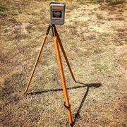 Sale 8878T - Lot 50 - Cowley Australian Made Automatic Building Level with Pine Tripod & Original Box, Circa 1960s, Serial Number 85562Height - 107cm,...