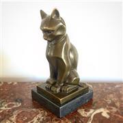 Sale 8878T - Lot 52 - Art Deco Bronze Cat on Marble Base Height - 17cm