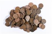 Sale 9007 - Lot 38 - Large collection of pennies and half pennies (total weight 2.089kg)