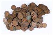 Sale 9007 - Lot 39 - Large collection of pennies and half pennies (total weight 2.69kg)