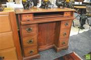 Sale 8390 - Lot 1135 - Reproduction Ladies Desk
