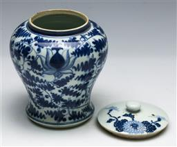 Sale 9153 - Lot 11 - A Chinese Qing ceramic vessel, with mismatched lid H14cm