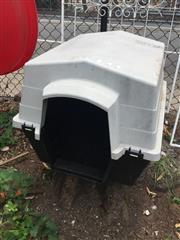 Sale 8676 - Lot 1190 - Dog Kennel