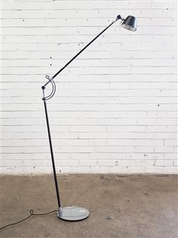 Sale 9151 - Lot 1026 - Viore floor lamp with articulated arm (h:100cm)