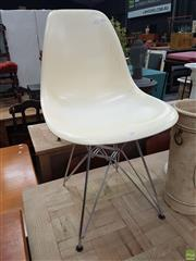 Sale 8601 - Lot 1319 - Eames Style Tub Chair