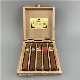 Sale 9250W - Lot 770 - Seleccion Robustos Cuban Cigars - gift box 5 cigars including Cohiba, Montecristo, Romeo y Julieta, Partagas & Hoyo de Monterrey, st...