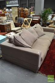Sale 8480 - Lot 1177 - Oversize 2 Piece Lounge Suite