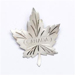 Sale 9153 - Lot 59 - A designer Maple Leaf Canada brooch, Marked 925, (wt 13g)