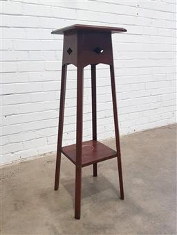 Sale 9112 - Lot 1030 - Vintage timber plant stand (h:105cm)