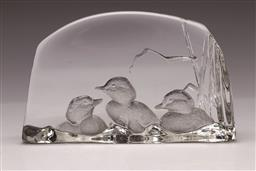 Sale 9114 - Lot 36 - A signed art glass paperweight featuring birds (L:19cm)