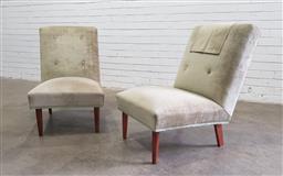 Sale 9112 - Lot 1033 - Pair of vintage velvet lounge chairs (h:76 w:52 d:47cm)
