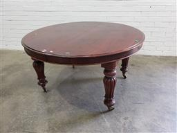 Sale 9085 - Lot 1043 - Victorian Mahogany Round Extension Dining Table (no leaf), with push-pull mechanism, raised on turned reeded legs (H:72 x D:132cm)