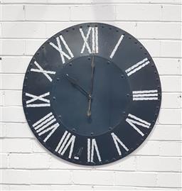 Sale 9112 - Lot 1027 - Metal wall clock (d:75cm)
