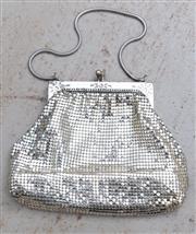 Sale 8866H - Lot 87 - A Glomesh kiss-lock purse, Height 14cm