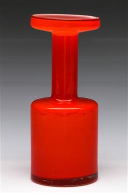 Sale 9148 - Lot 75 - An vintage Scandinavian style orange and white cased glass vase,  (H:23cm)