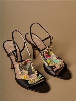 Sale 9093F - Lot 3 - A pair of Emilio Pucci leather kitten heel shoes size 37