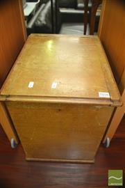 Sale 8431 - Lot 1078 - Small Lift Top Box