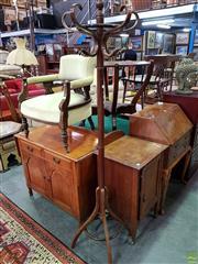 Sale 8570 - Lot 1082 - Timber Coat Rack