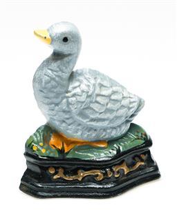 Sale 9246 - Lot 27 - A duckling form cast iron door stop (H:9.5cm)