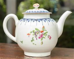 Sale 9120H - Lot 15 - An early Worcester ceramic teapot with floral decoration, makers mark to base (small chip to spout) Length 18cm