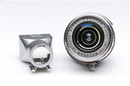 Sale 9093 - Lot 20 - A Leica super Angulon Lens with Viewfinder (1:4/21) (No.1627294)