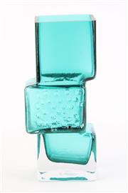 Sale 8796 - Lot 11 - An Art Glass Contemporary Vase ( H 20cm)