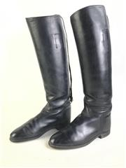 Sale 8963 - Lot 96 - Pair of Knee length vintage riding boots (size 6 1/2 D) marked to inside made especially for Louis Epstein. Riding Wear 134 Flinder...
