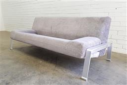 Sale 9121 - Lot 1064A - Fabric click-clack folding lounge (h:71 w:203 d:78cm)