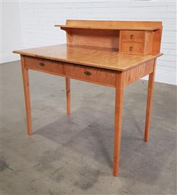 Sale 9196 - Lot 1075 - Early 20th Century Birch Ladys Desk, the low back with shelf & two short drawers, above two frieze drawers & tapering legs (h:98 x...