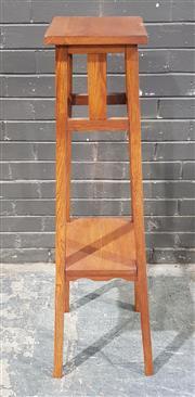 Sale 8962 - Lot 1047 - Maple Plant Stand (H:114cm)