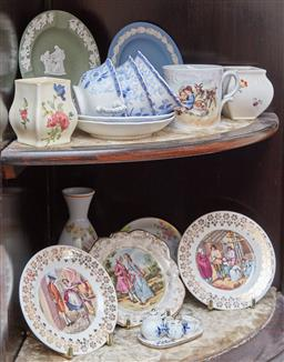 Sale 9103M - Lot 422 - A small collection of ceramics including Wedgwood, Royal Doulton and others