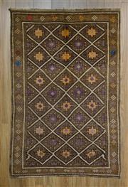Sale 8559C - Lot 32 - Vintage Persian Shiraz 161cm x 163cm -