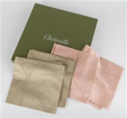 Sale 9255H - Lot 38 - A group of 4 Christofle damask cotton napkins in blush and avocado, 51cm x 51cm, made in Italy.