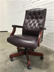 Sale 9059 - Lot 1066 - Oversized Buttoned Back Office Chair (h:1056 x w:69 x d:43cm)