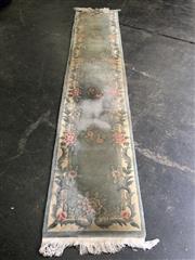 Sale 9006 - Lot 1044 - Pure Woollen Hall Runner (352 x 70cm)