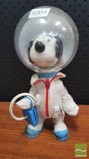 Sale 8395 - Lot 1004 - Vintage Snoopy Spaceman Figure by Determined Products, 1969 (Helmet AF)