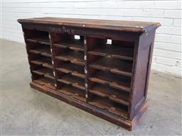 Sale 9117 - Lot 1037 - Vintage timber pigeon hole unit (h:66 w:110 d:33cm)