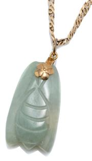 Sale 9046 - Lot 336 - A GOLD JADE PENDANT NECKLACE; featuring a 32.67 x 18.5mm jade pendant carved as a cicada with 8ct gold fittings on a 14ct gold doubl...