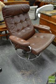 Sale 8511 - Lot 1065 - Brown Leather Vintage Swivel Chair