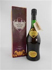Sale 8498 - Lot 1755 - 1x 1962 Veuve Cliquot Ponsardin La Grande Dame Brut, Champagne - in box