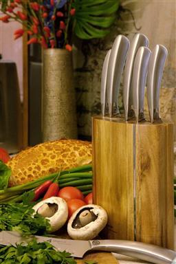 Sale 9240L - Lot 74 - 7-Piece Kitchen Knife Set with Block - Laguiole Mondial by Louis Thiers