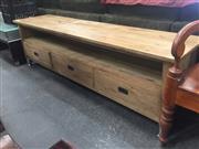 Sale 8851 - Lot 1086 - Oak TV Unit with Three Drawers (L: 180cm)
