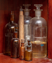 Sale 8795A - Lot 57 - A collection of apothecary bottles, various sizes, height of largest 26cm