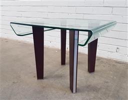 Sale 9108 - Lot 1020 - Bent glass side table (h:51 w:66 d:65cm)