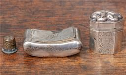 Sale 9120H - Lot 96 - A hallmarked sterling silver snuff case with monogram to top RH, Length 7cm, together with a hinged top silver container and a plate...